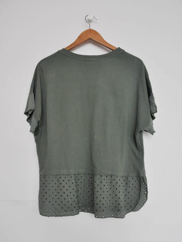 camiseta perforada