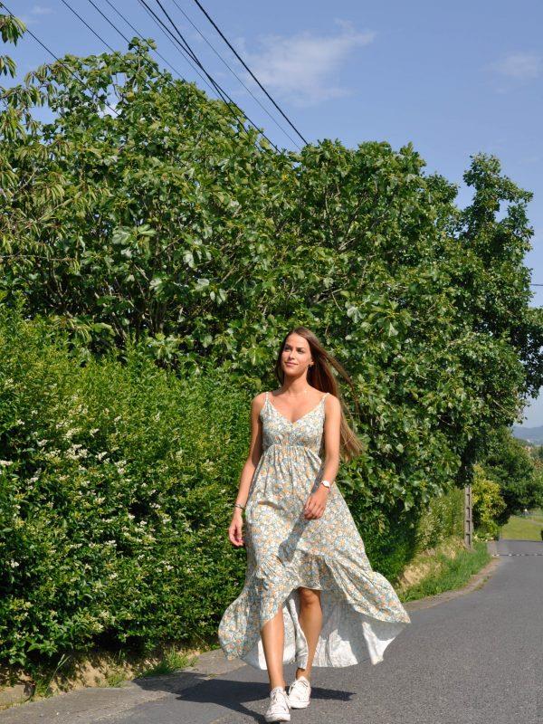 Vestido largo de tirantes con estampado floral